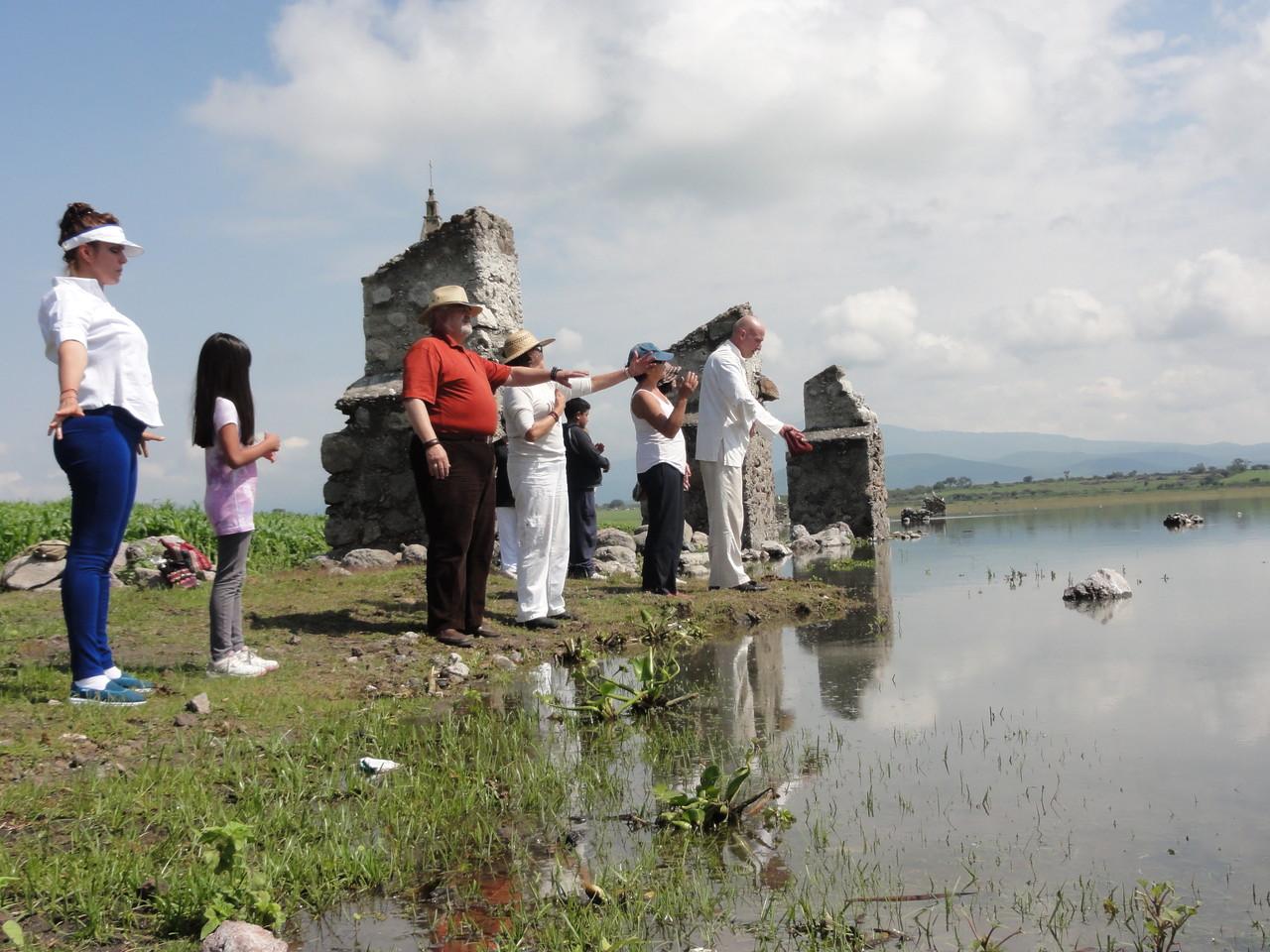 bajo esta presa Solis están las piramides ovales de la famosa cultura Chupícuaro de ante Christo