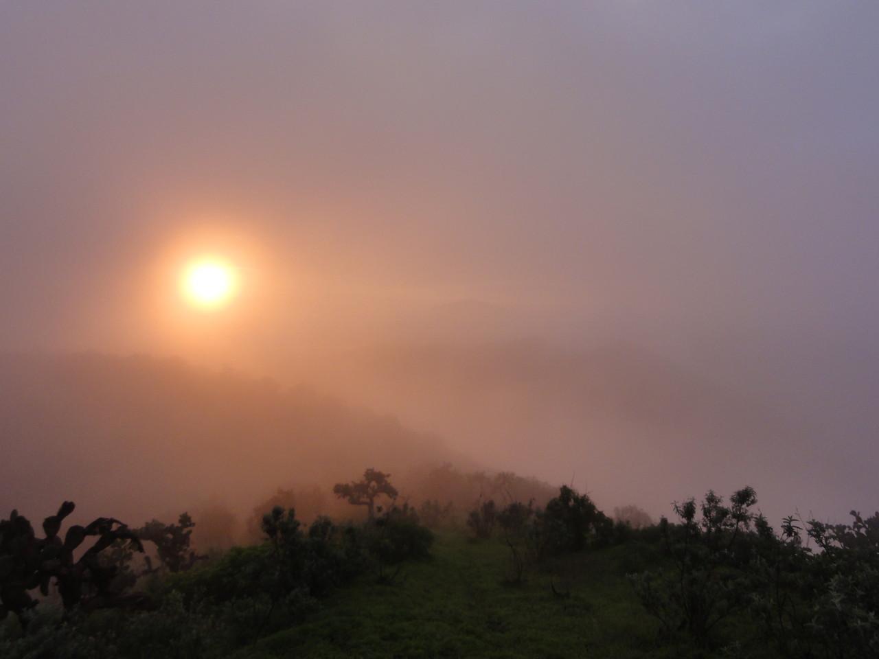 sunrise over la Batea /  salida del Sol arriba de la Batea