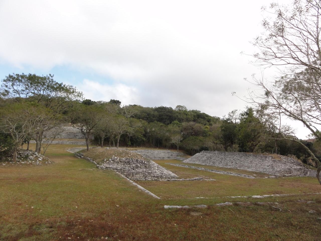 the pyramid /la pirámide Tenam Puente had more surprises for us/ nos esperó con más sorpresas
