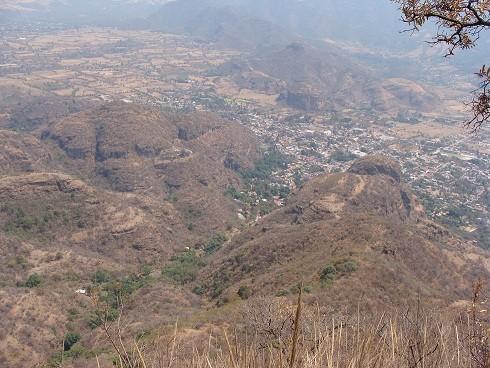 El Toxquihua, la montaña sagrada del pueblo de Malinalco. A su pie en nuestro centro de retiros realizamos campamentos del teatro còsmico tres veces por año