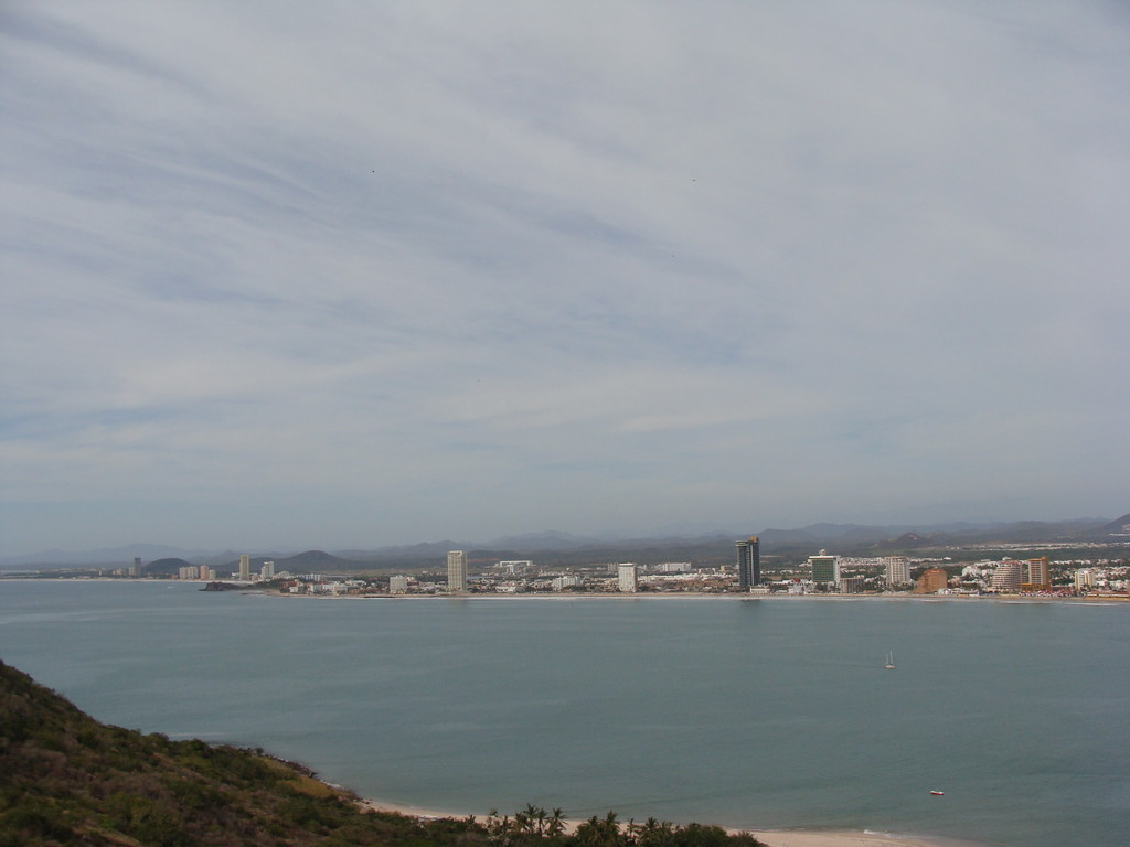 ... here a foto from the mountain to Mazatlan... still with the same cloud formation...