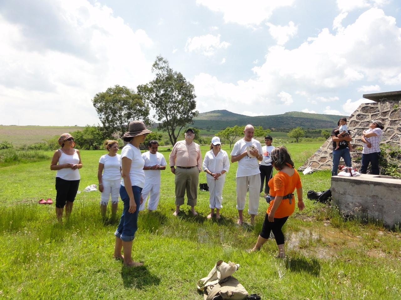 healing-ritual in the fresh spring water / ritual sanador en el agua fresco de manantial