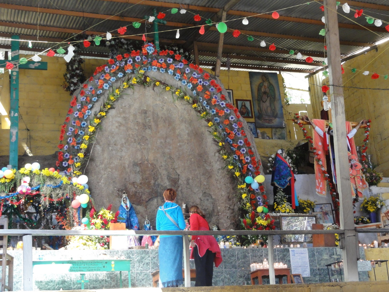 the Huitepec stone with the appearance of the Virgin/