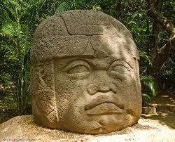 Cabezo colosal de / collosal head in La Venta, original en el/in the Parque La Venta, Villahermosa