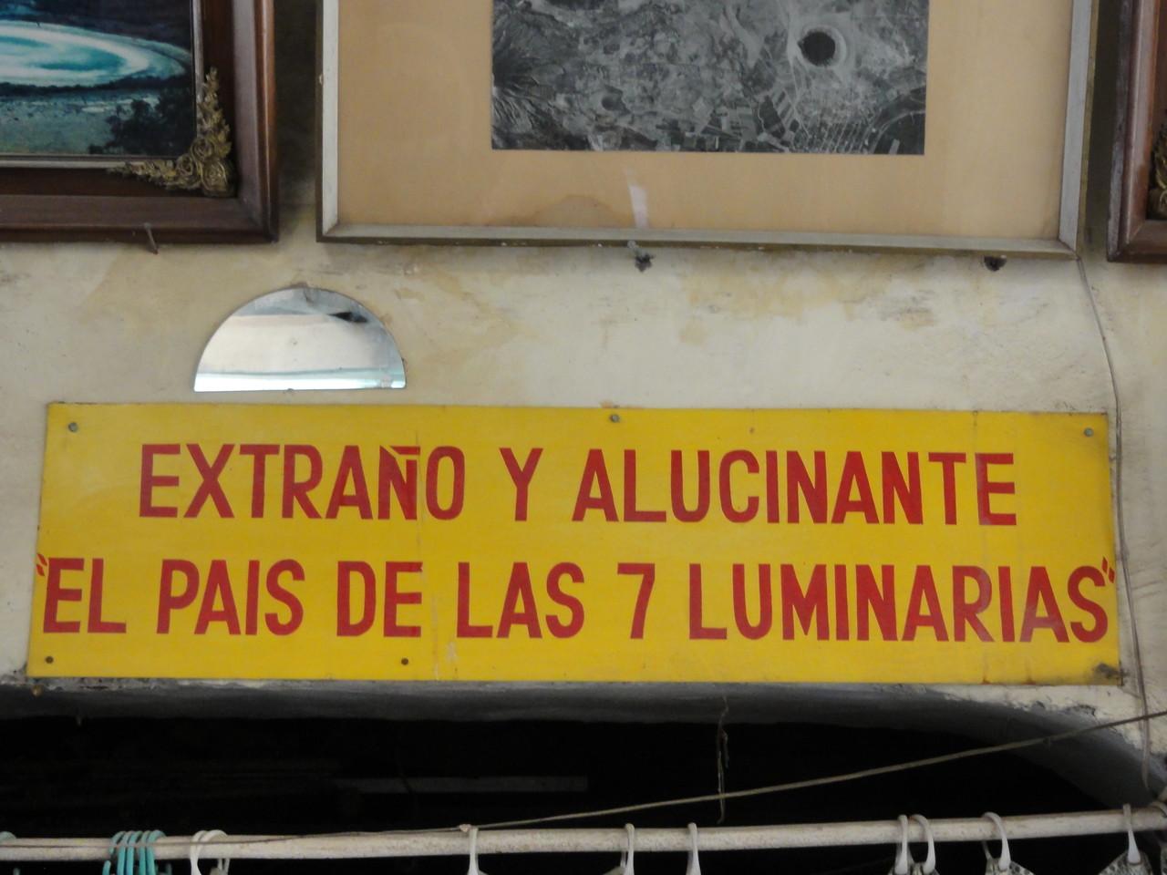 "pictures of his little ""museum"" / imágenes de su pequeño ""museo"""