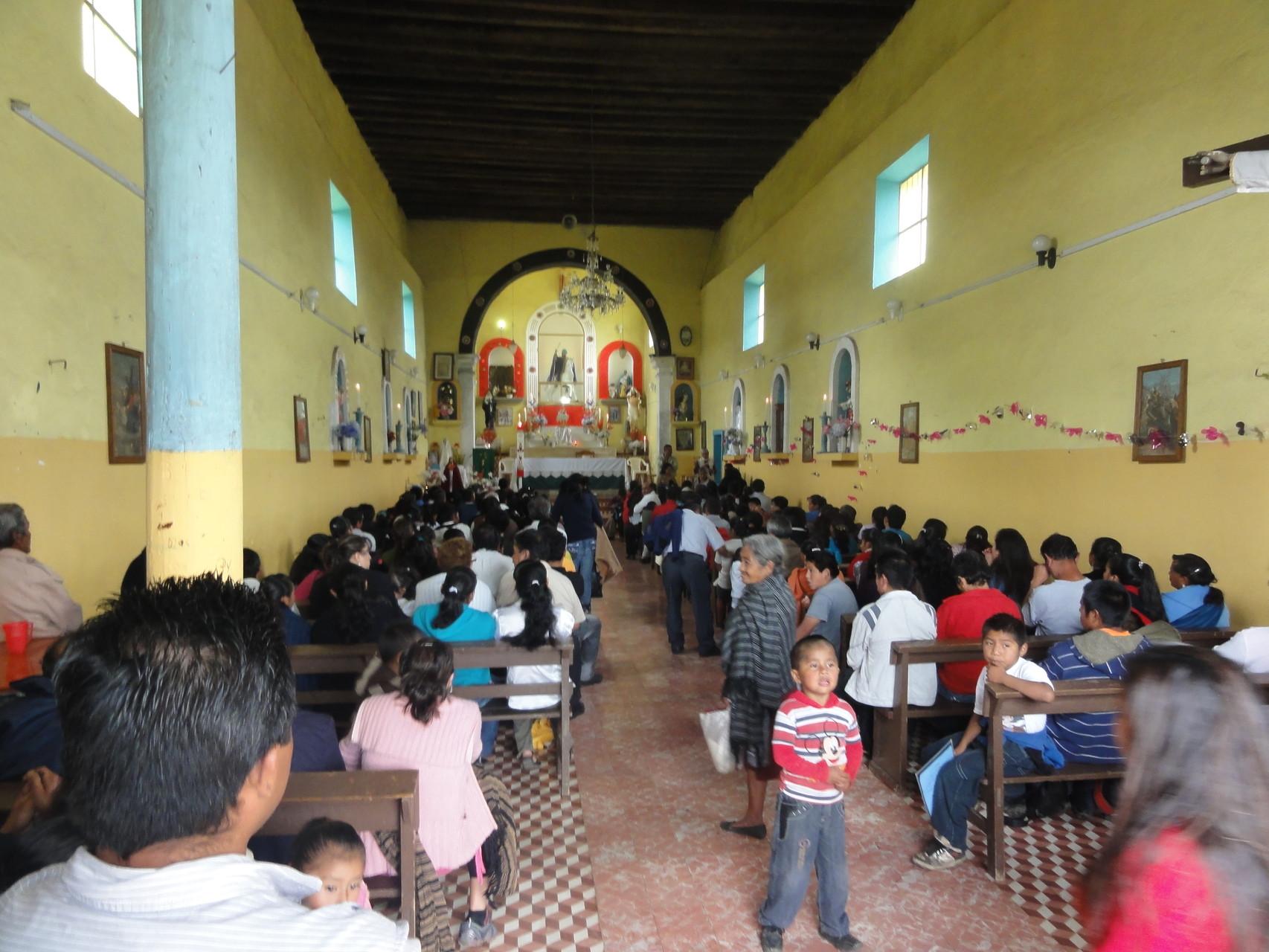 la iglesia de Tepeixco arriba de San Lorenzo donde apoyamos con pintura