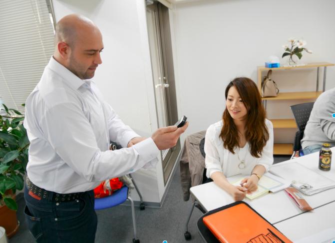外国人講師の生の発音を肌で感じて下さい。早く安く習い放題システムで上達する英会話教室 愛知県の名古屋、栄、金山にあります。