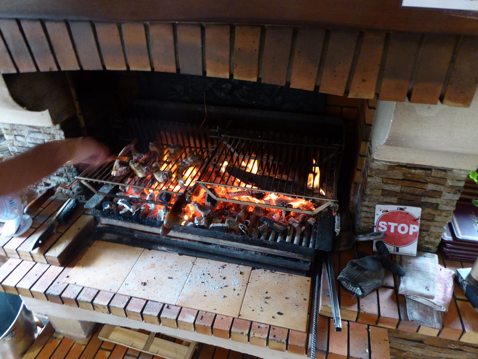grillades dans la cheminée ...