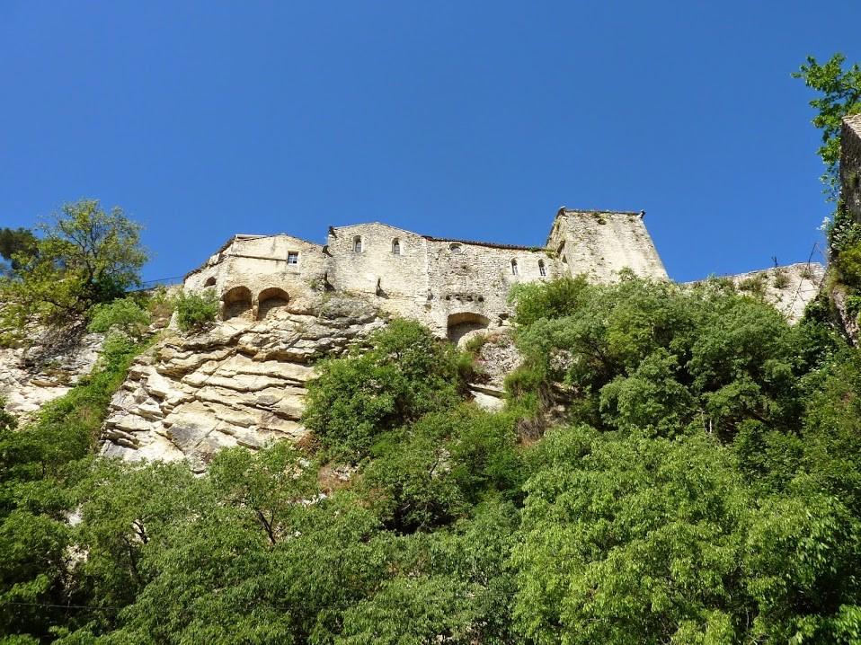 cité médiévale vue du pont Romain