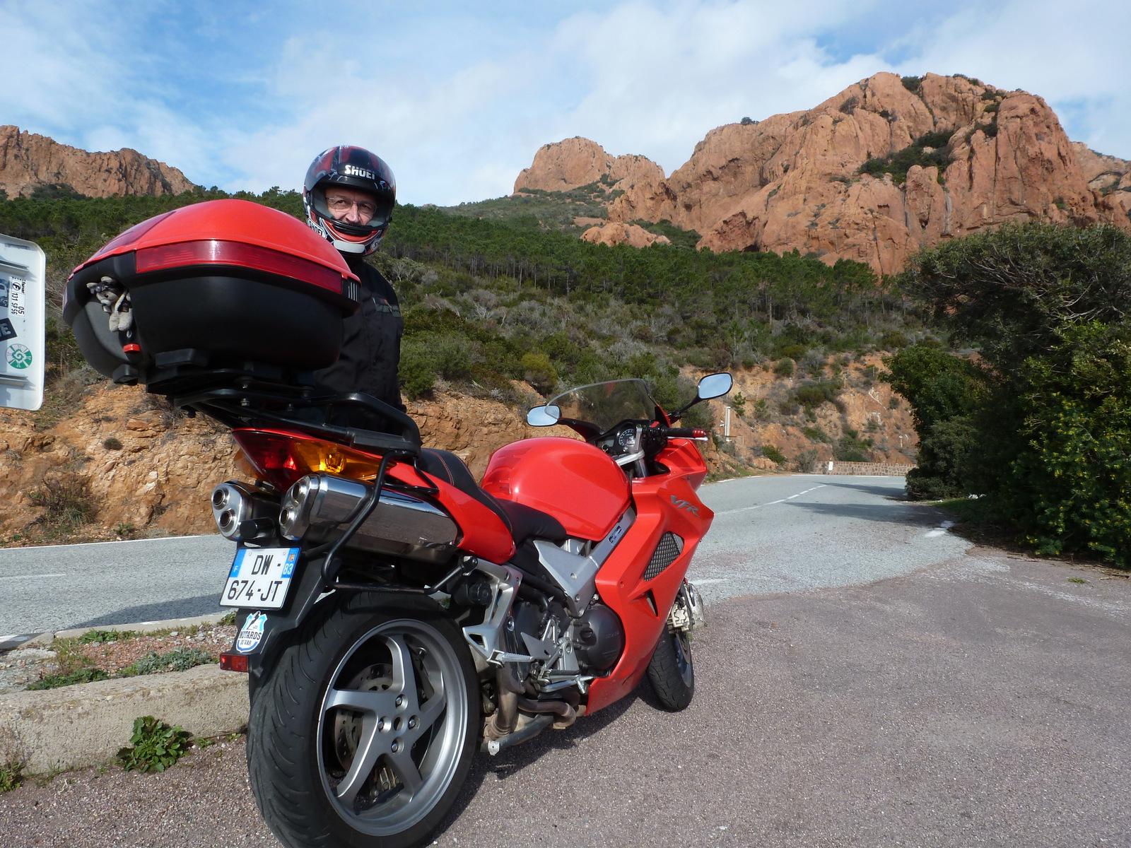 on a dit les roches, pas la moto !!!