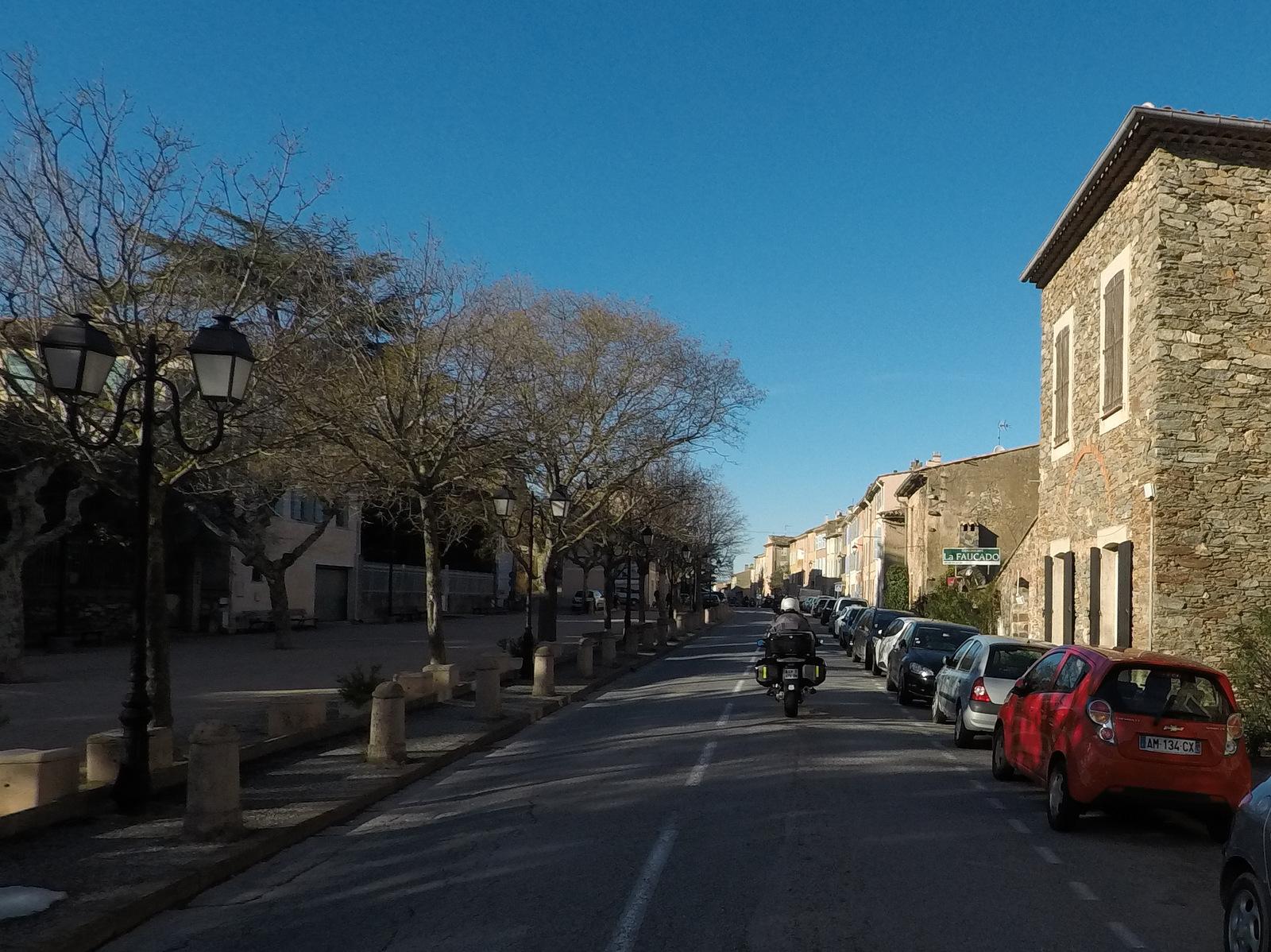 traversée du village de La Garde Freinet