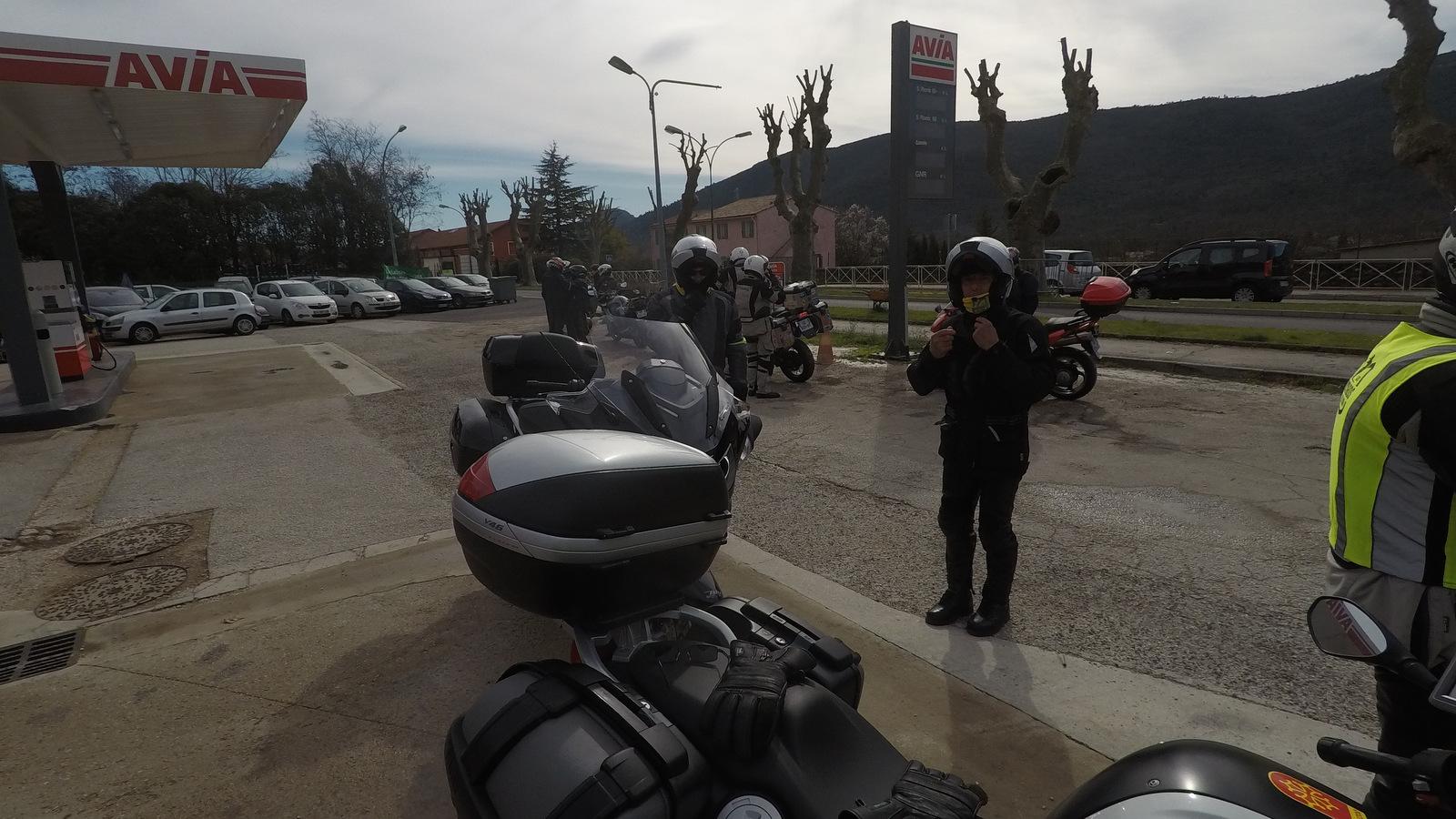 rdv à Signes pour récupérer 2 motos ...