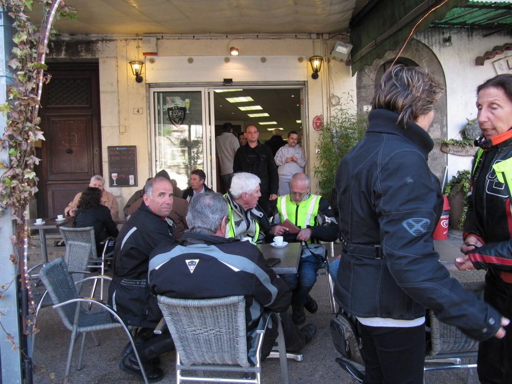 pause café à Entrecasteaux