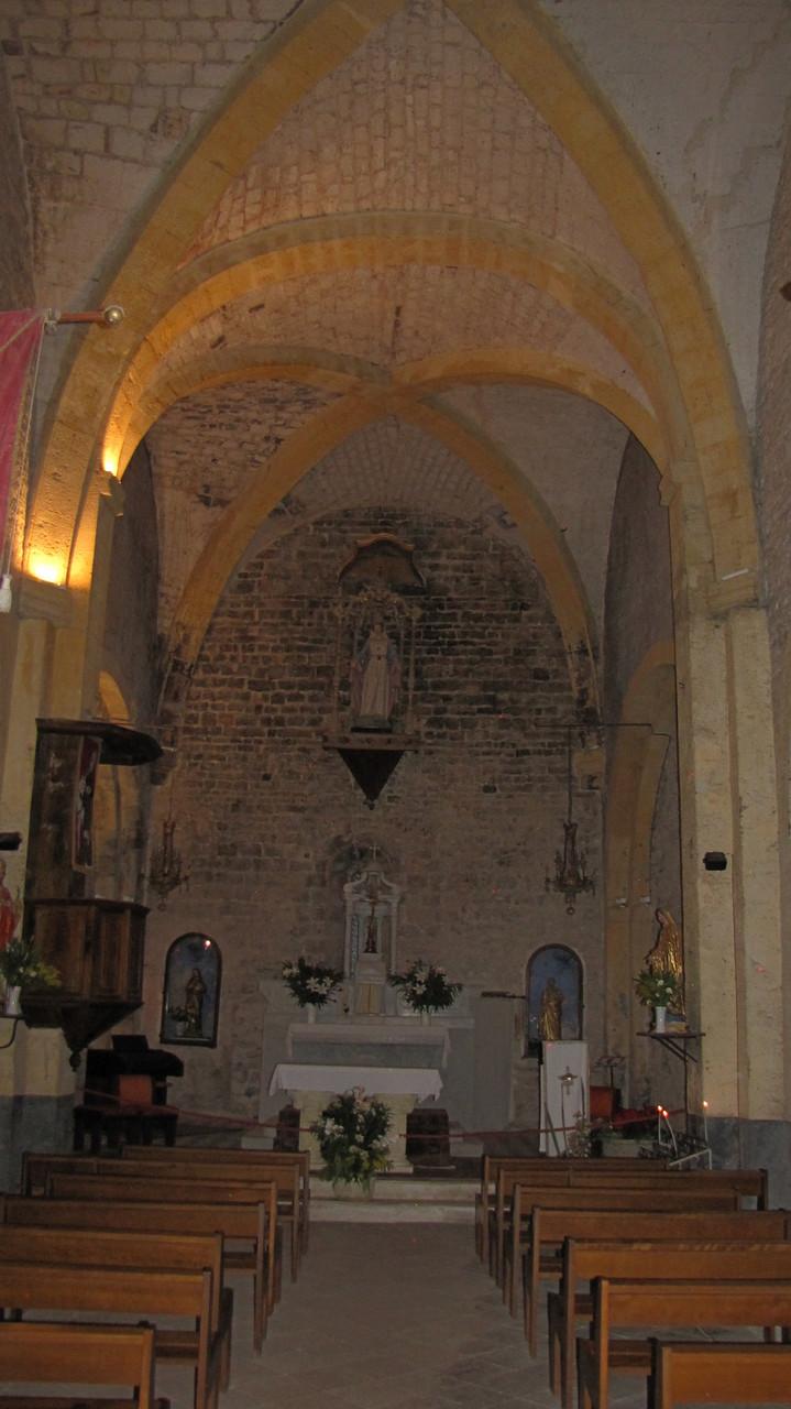 intérieur de l'église Romane Saint Martin