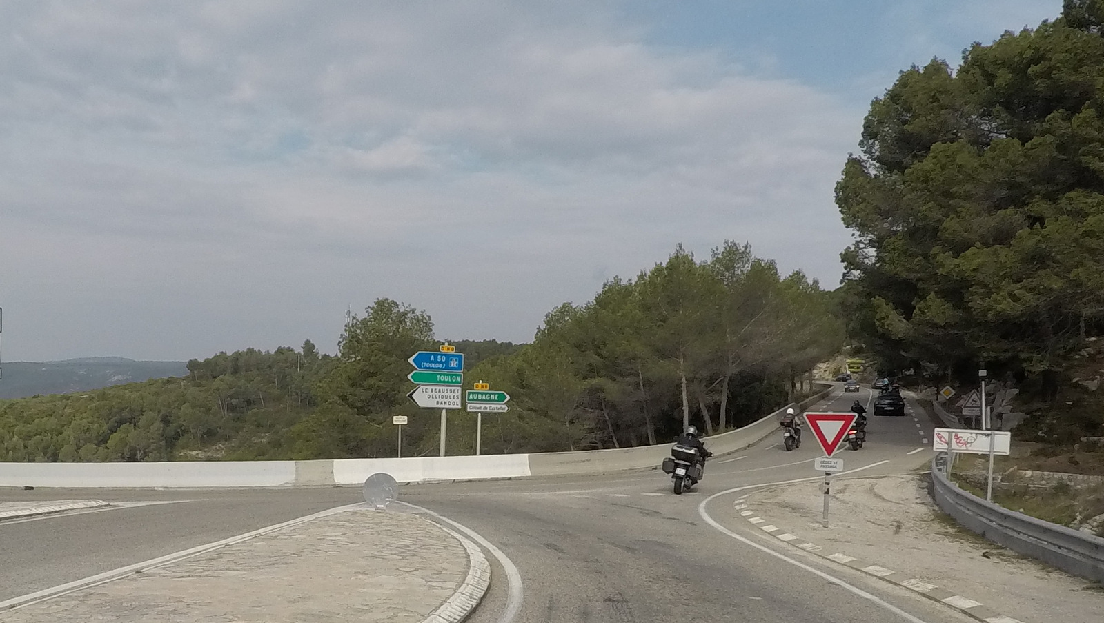 direction le circuit Paul-Ricard du Castellet