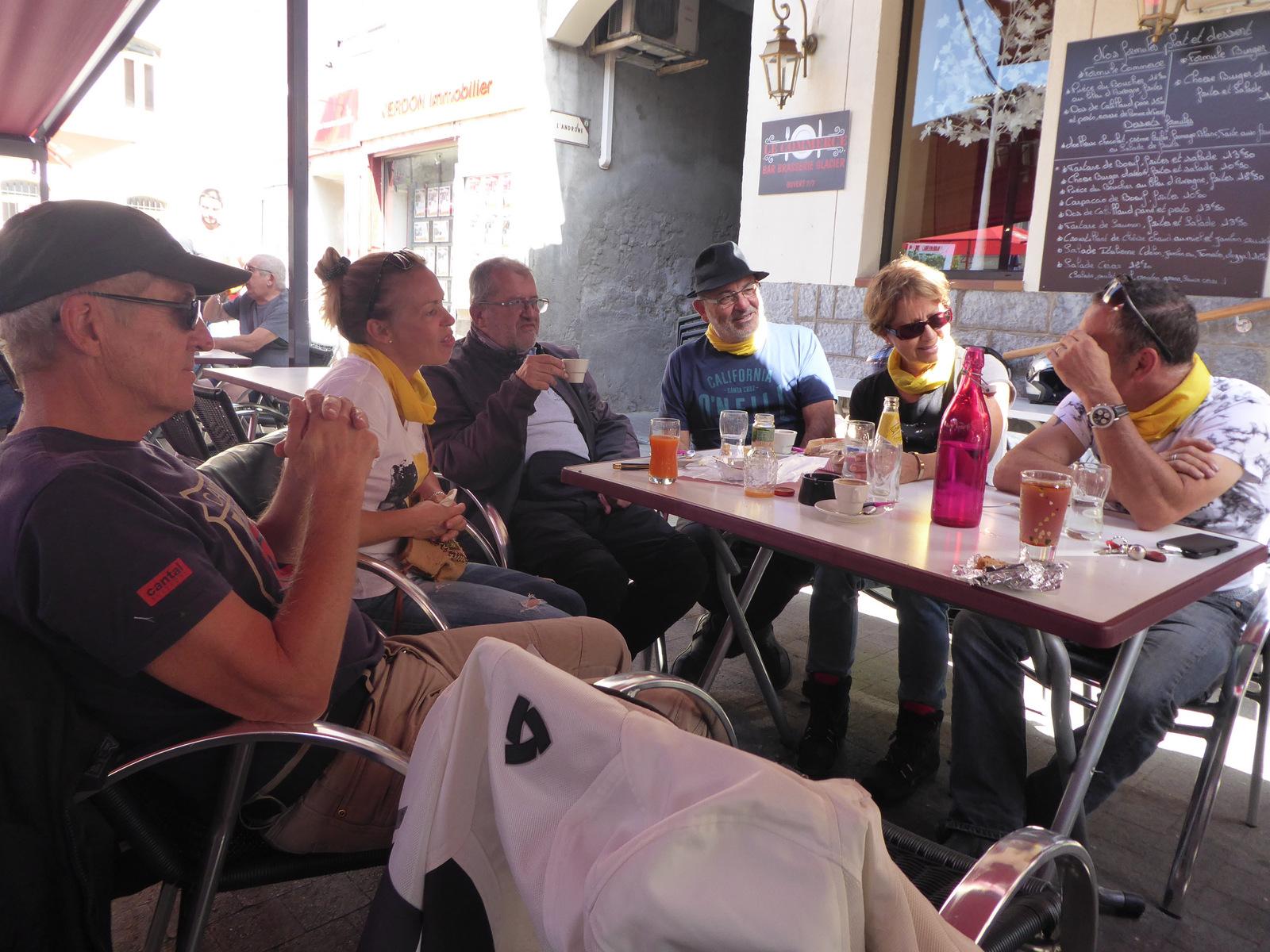 pause café à St André les Alpes