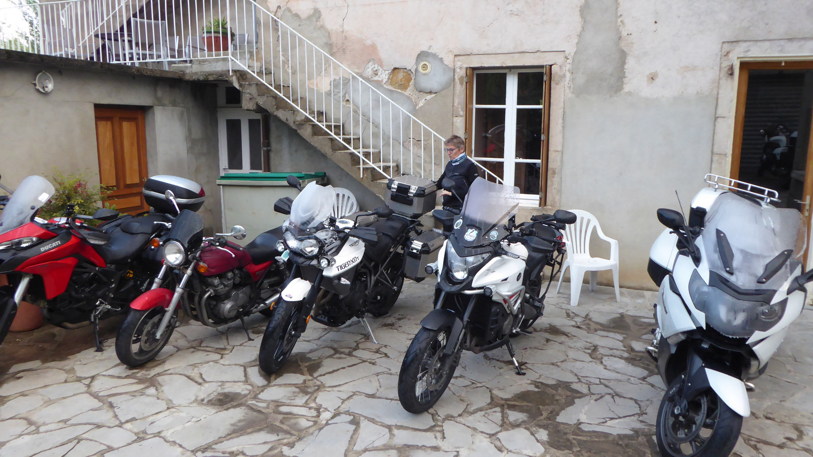 ... on range les motos
