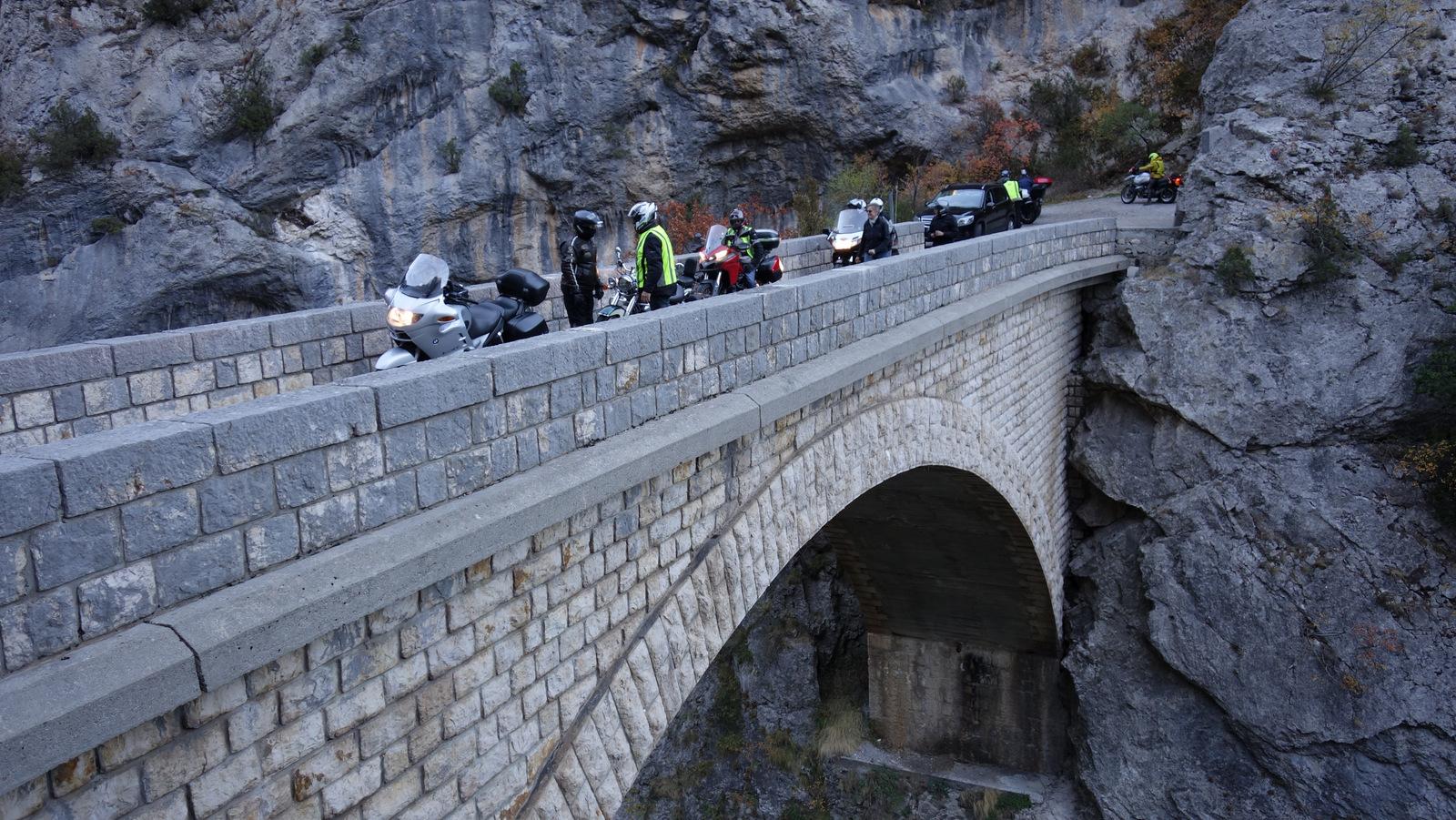 sur le pont d'Aiglun !