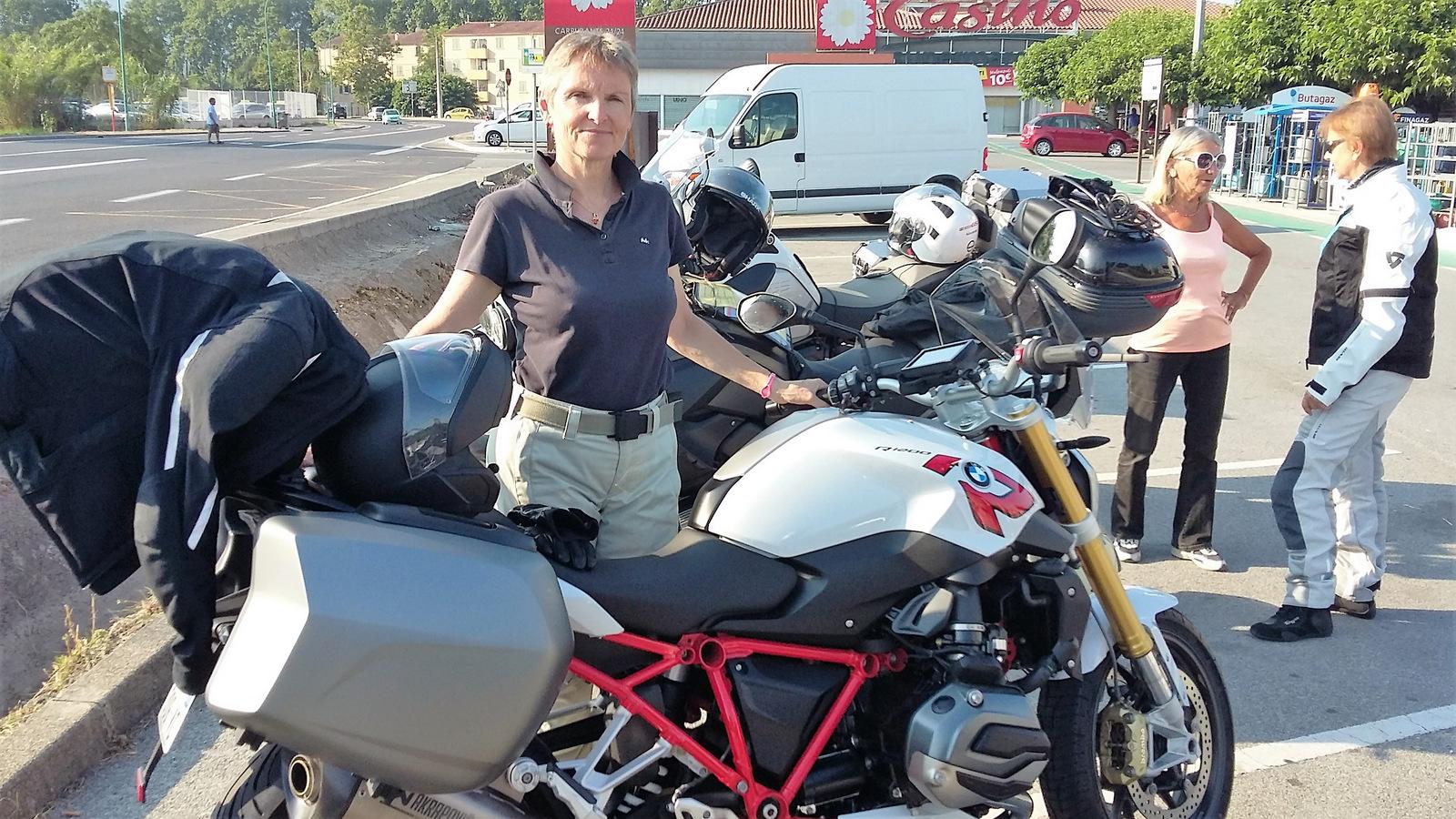la nouvelle moto de Claire