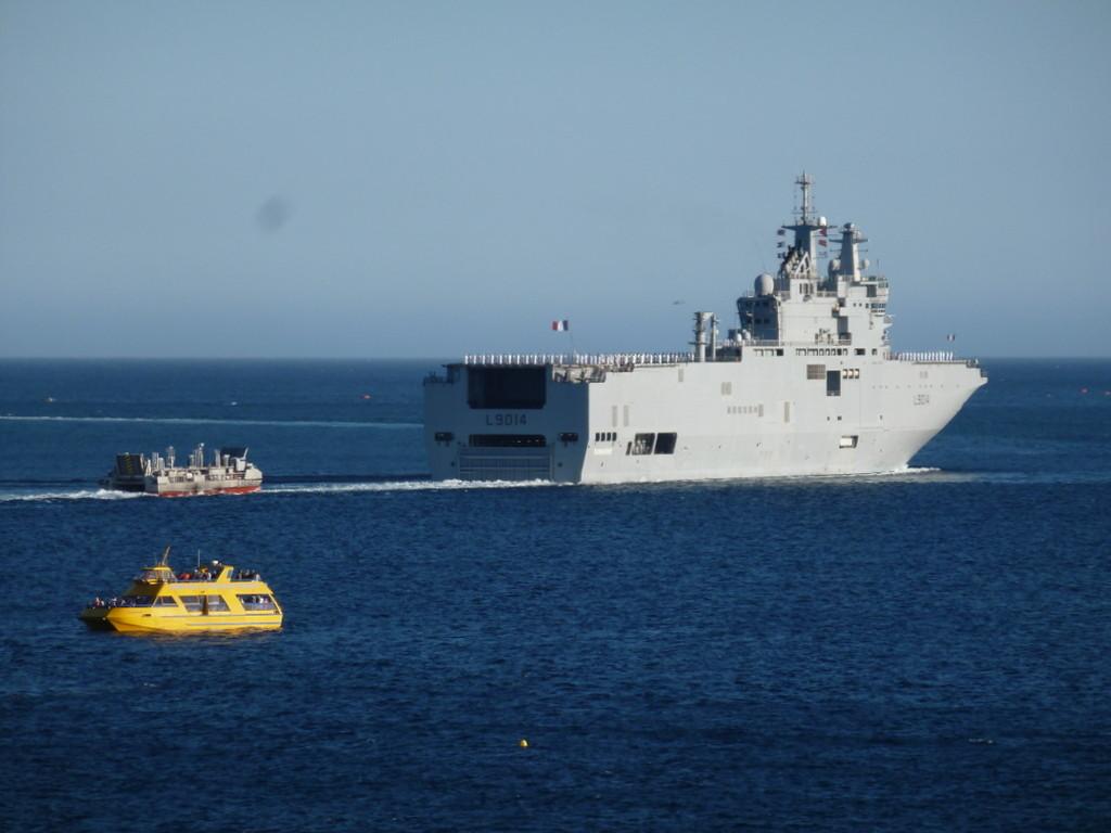 Tonnerre et Edar (engin de débarquement amphibie rapide)