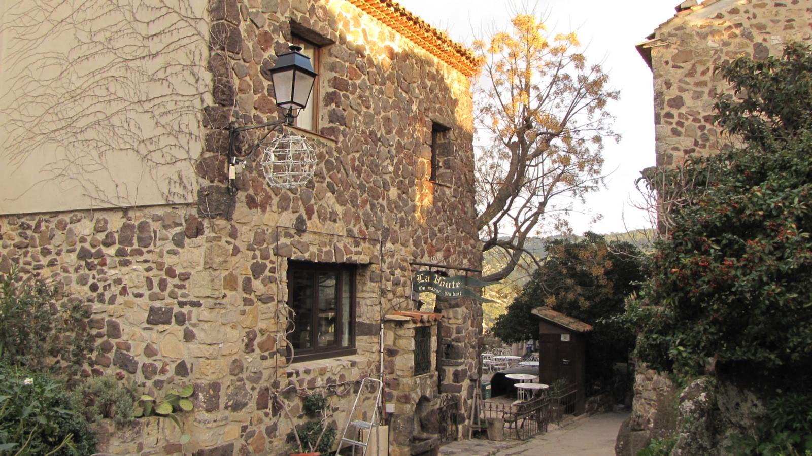 ... le village