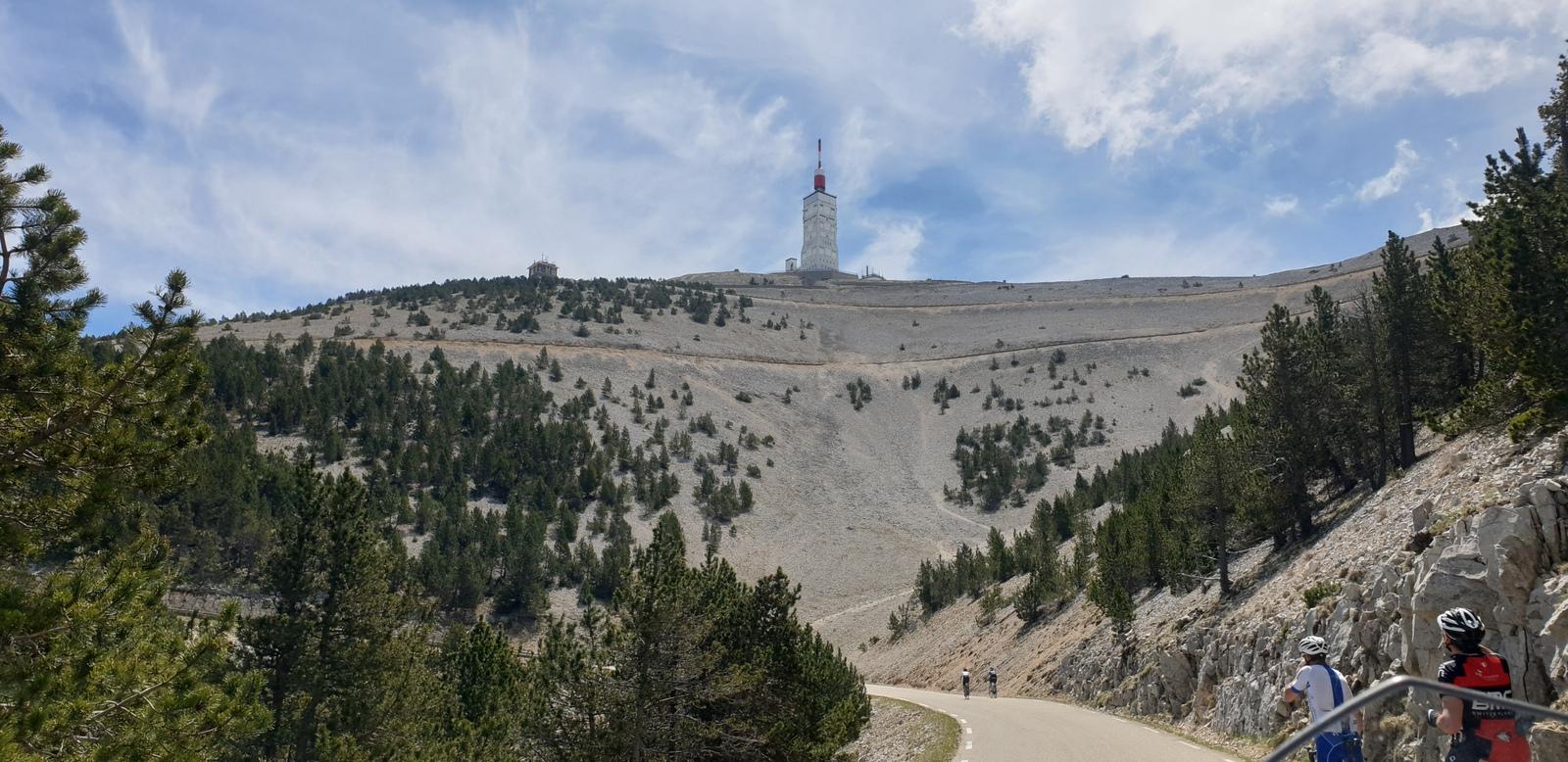 Objectif du jour : Le Mont Ventoux (ou presque)