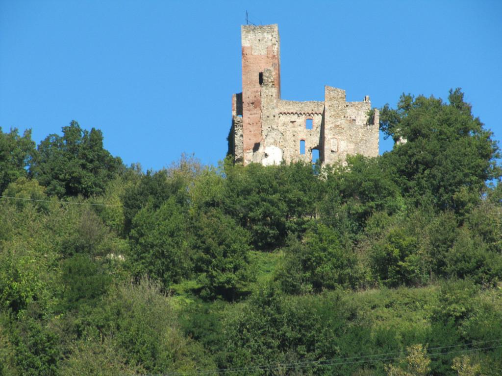 ruines du château de Nucetto