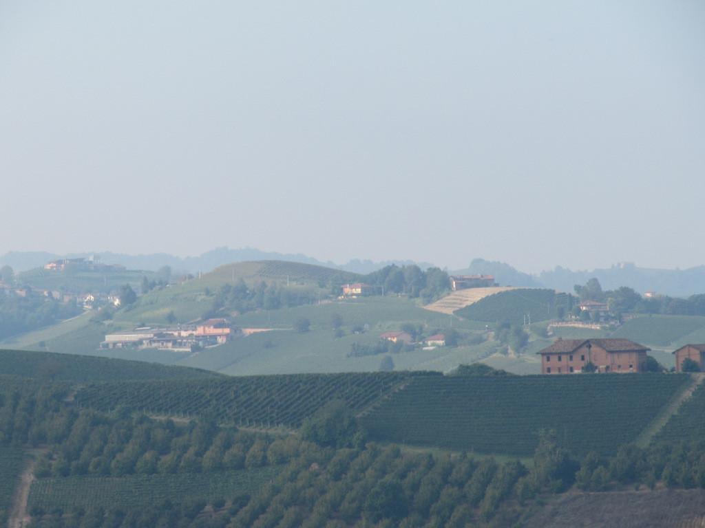 vue autour du château de Grinzane Cavour