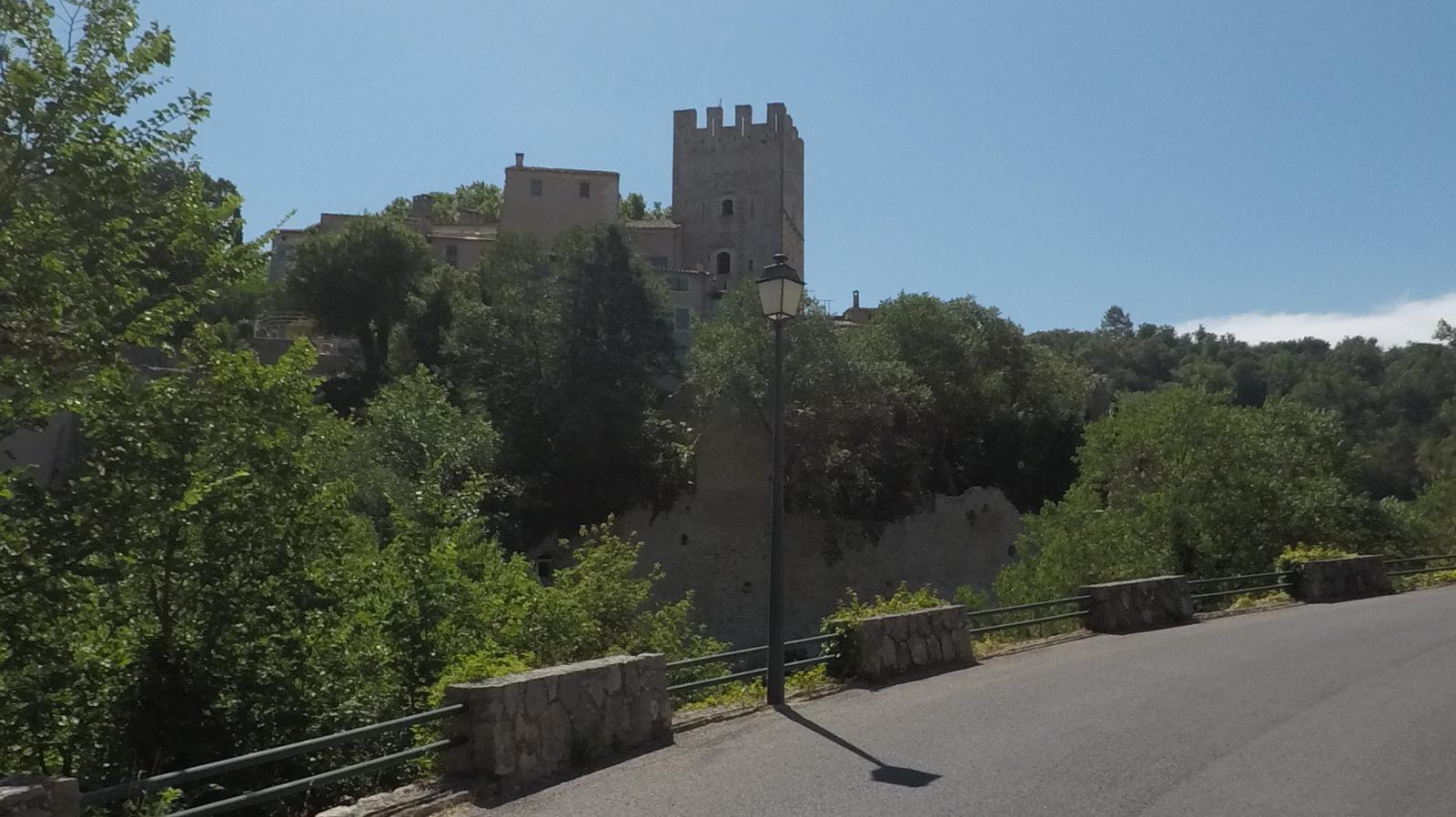 la tour du château d'Esparron de Verdon