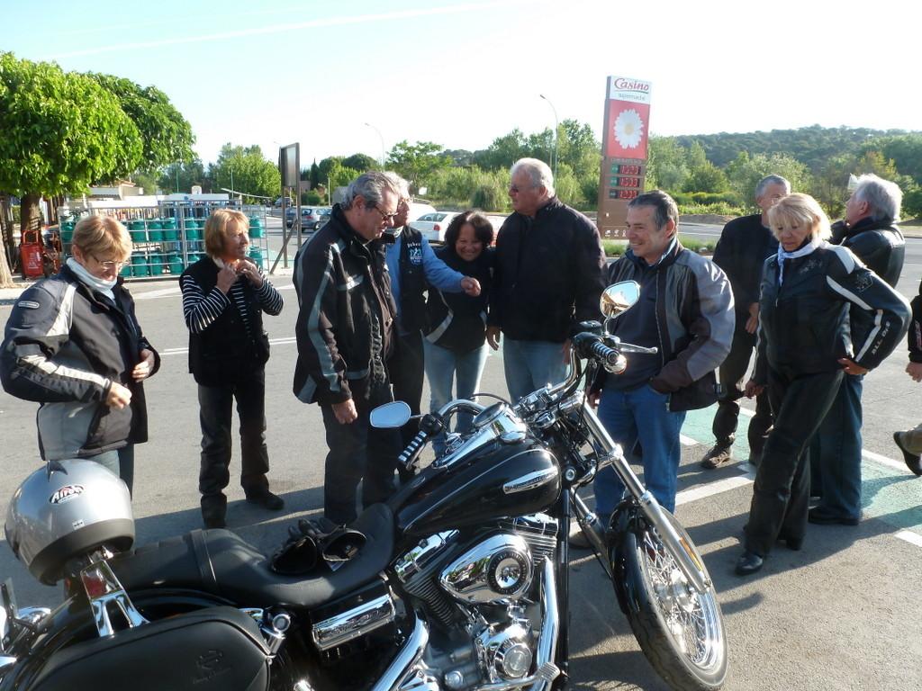 ... avec sa nouvelle moto ...