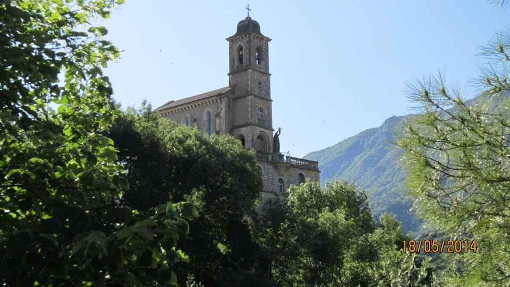 Basilique Notre-Dame de la Consolation à Pierrelongue