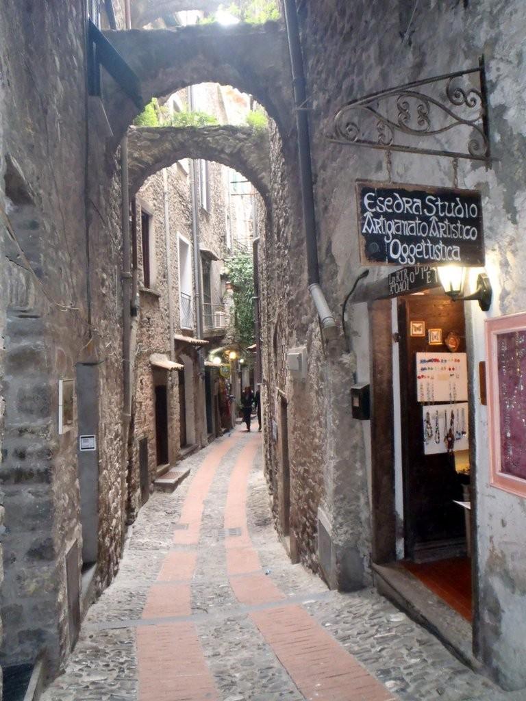 Dolceacqua village médiéval