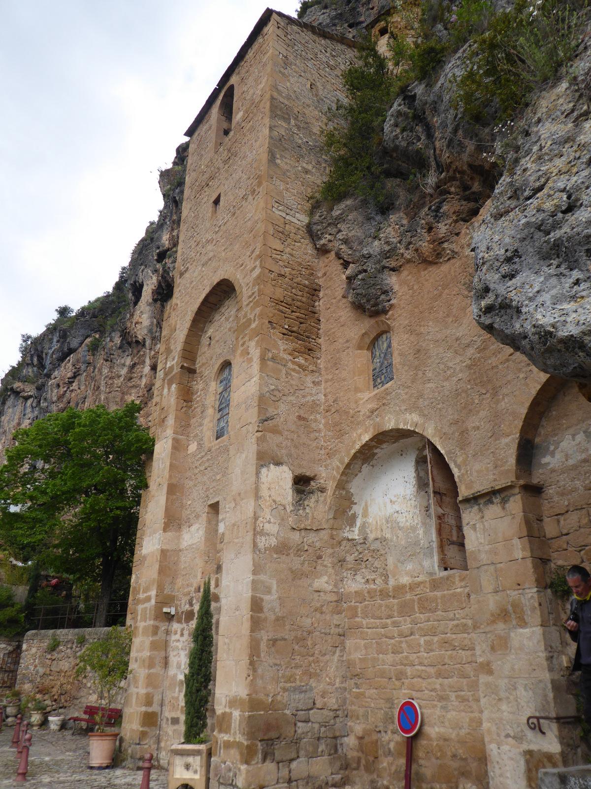 ancienne église fortifiée