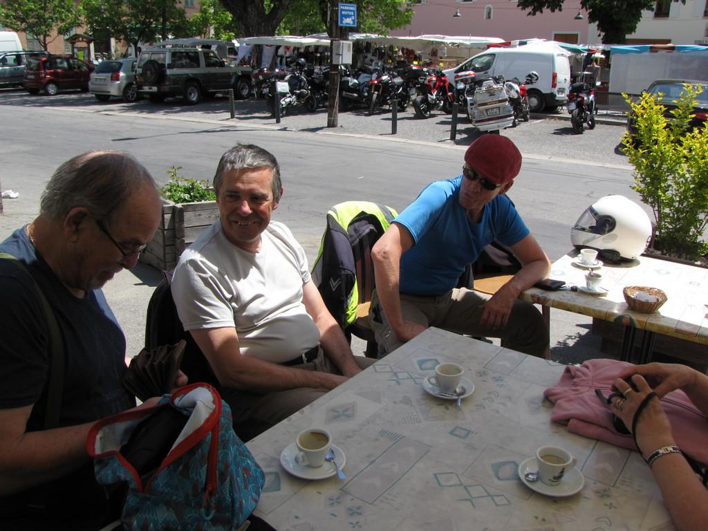 pause café à Barcelonnette