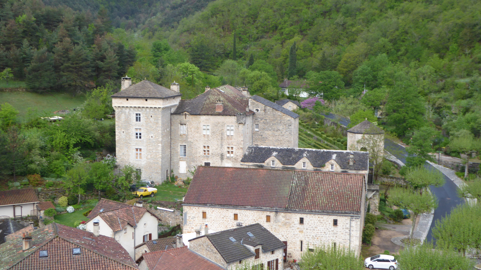 ... le château de Triadou, résidence des seigneurs d'Albignac !