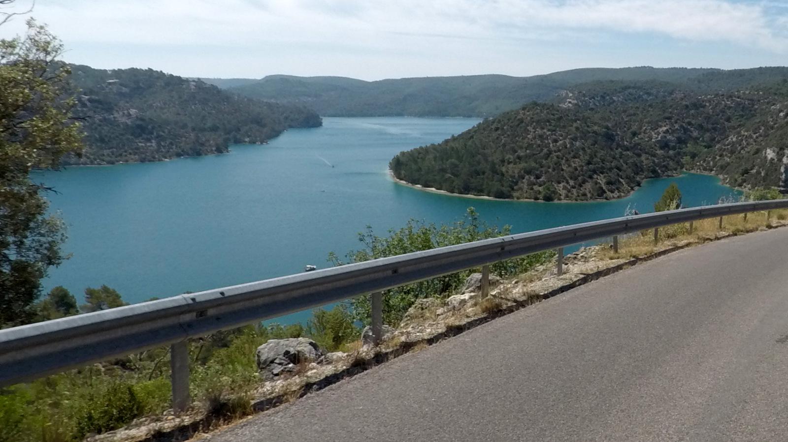 ... le lac d'Esparron de Verdon