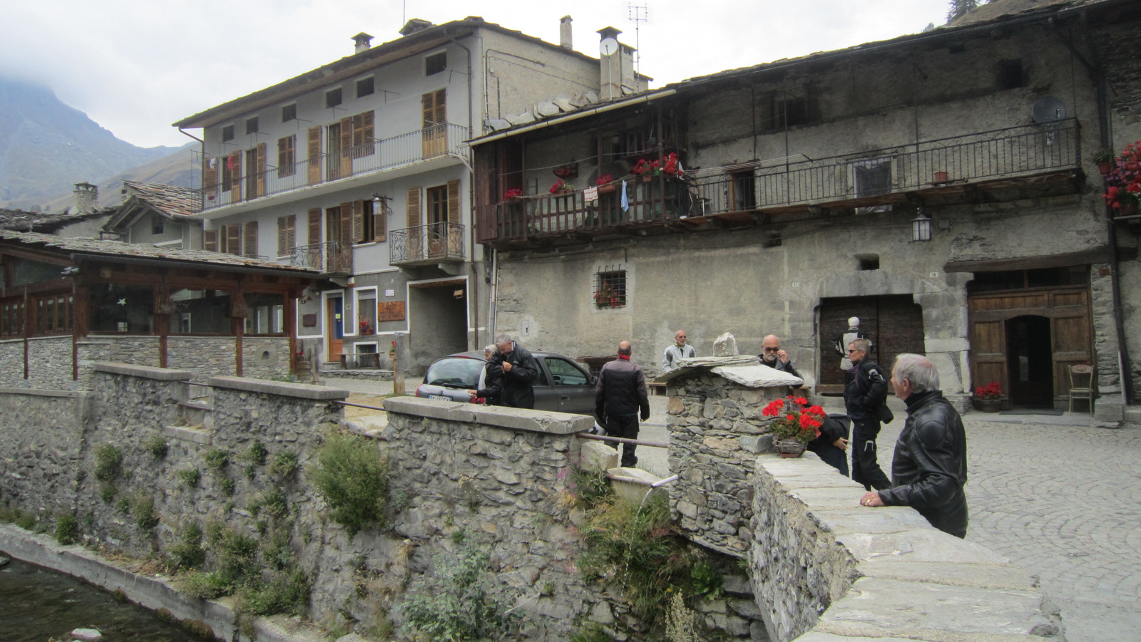 """village """"rive gauche"""" ..."""
