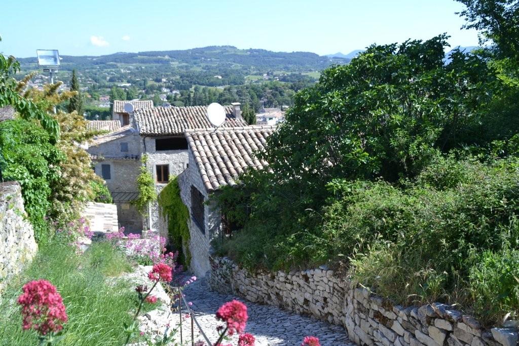 vue de la cité médiévale de Vaison la Romaine