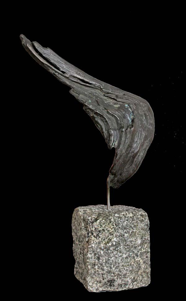 Bronzeflügel  incl. Stein 31 cm