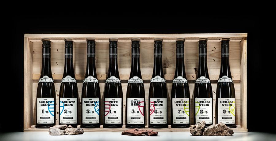 Weil die Freude am Anderssein im Vergleich steckt, sind diese Weine jetzt und ausschließlich als Serie (9 x 0,5l-Flaschen) erhältlich.