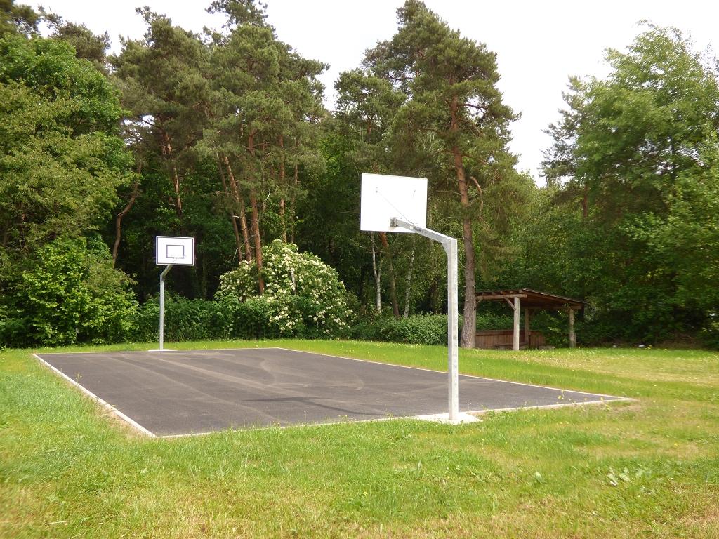 Basketballspielfeld für die Jugend