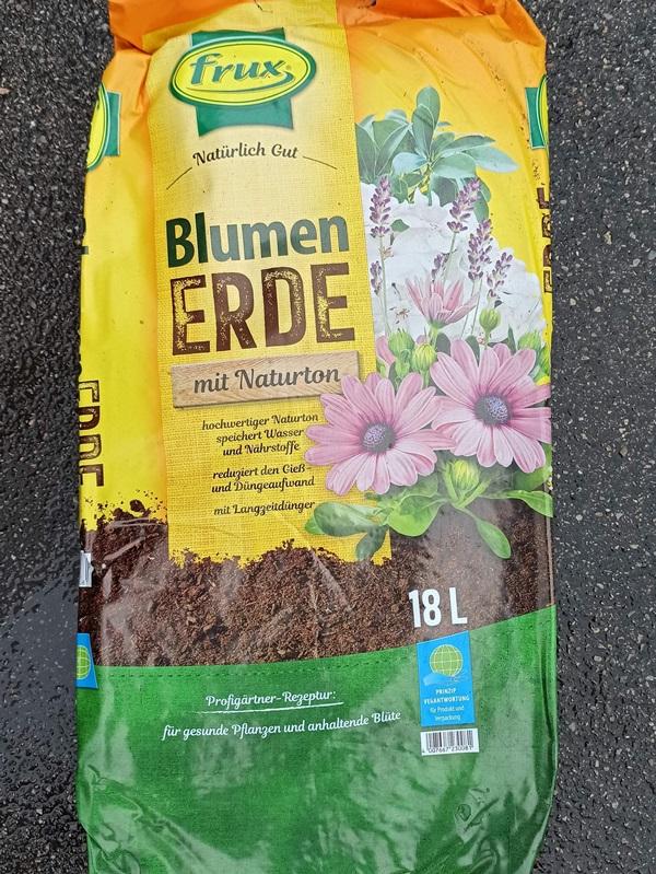 Blumenerde 18l - € 6,20