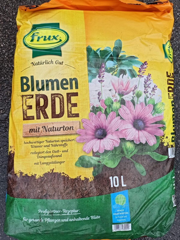 Blumenerde 10l - € 4,20