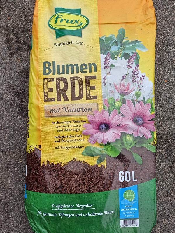 Blumenerde 60l - € 14,90
