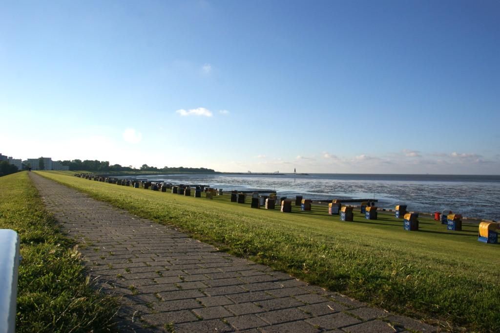 Die Bucht bis zur Kugelbake, wo die Elbe die Nordsee küsst