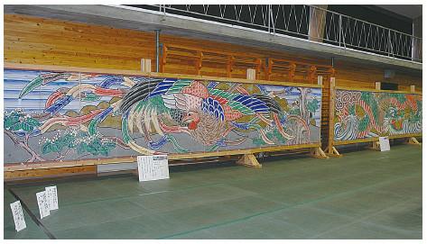 The ningyo joruri fusuma of Kamiyama Town, Tokushima Prefecture, Shikoku Island. The sizes and designs have many features in common with those of Nishi-Shioko.