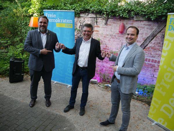 Landesvorsitzender der FDP Bayern Daniel Föst, MdB - Direktkandidat für die Bundestagswahl Ralf Schwab - Landtagsabgeordneter Matthias Fischbach, MdL