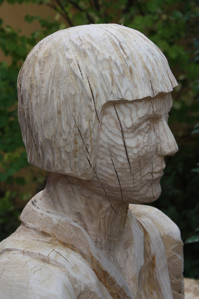 Sitzende, Detail, Erle 2012