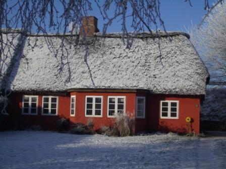 Üüs meeklik Hüs im Winter