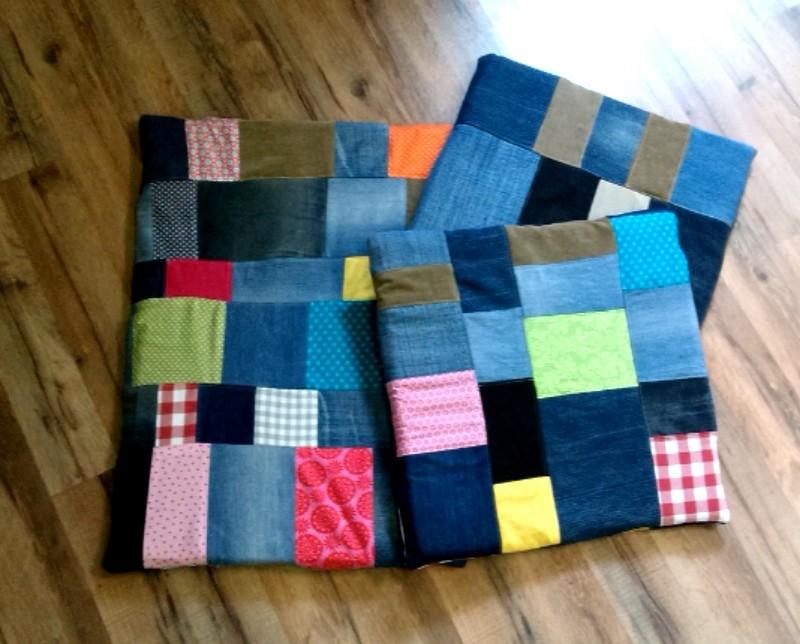 aus alten Jeans ...super schöne Kissen für die Gartenbank